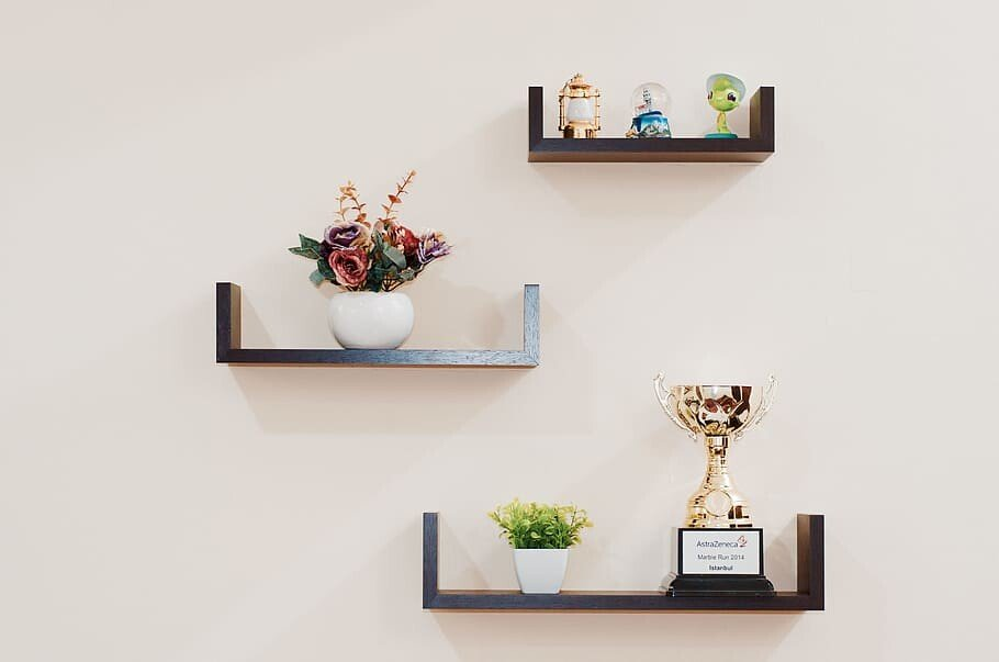 DIY Easy-to-Make Floating Shelf 1